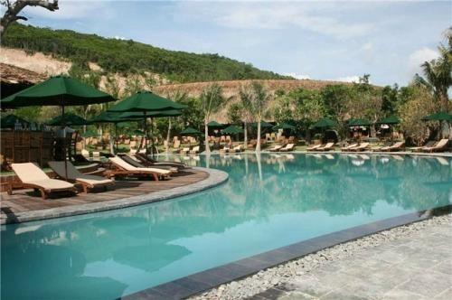 Thap Ba Hot Springs2