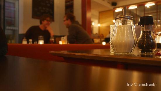Pinokyo Cafe Bar