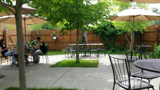 Cedar Rustic Inn