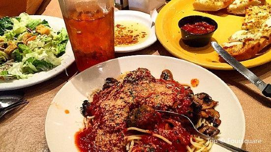 Auntie Pasta's Italian Kitchen