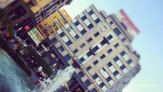 Fontana di Piazza San Babila