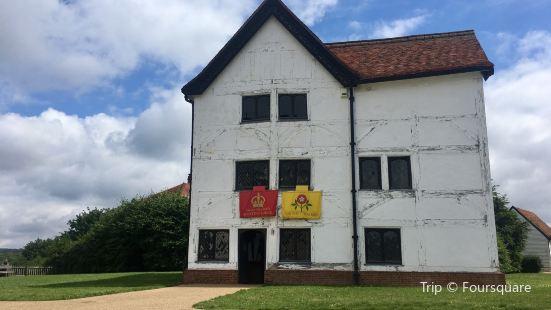 Queen Elizabeth Hunting Lodge