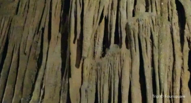 Grand Caverns1