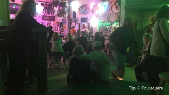 Sandshaker Lounge