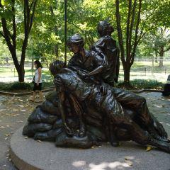 越戰女子青銅塑像用戶圖片