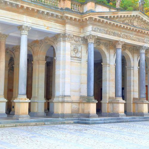 Mlynska kolonada