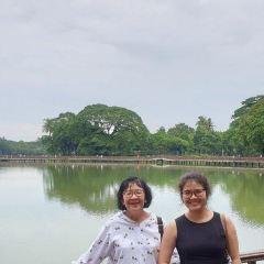 Kandawgyi Park User Photo