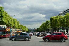 香榭丽舍大街-巴黎-乖小咪