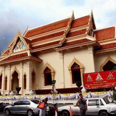 Wat Traimit Wittayaram User Photo