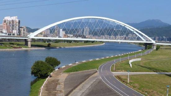 淡水‧金色水岸自行車道