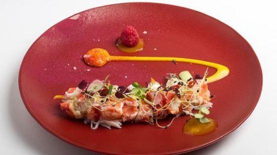 FlyAway Creative Restaurant & Bar powered by WEST EAST SUITES