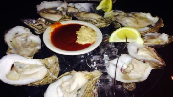 Ernie's Seafood Restaurant & Bar