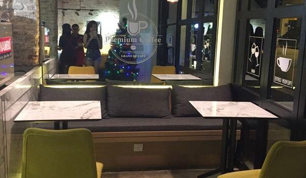 Meet Up Cafe & Bar1