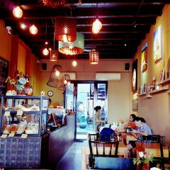 Gallery Cafe by Pinky User Photo