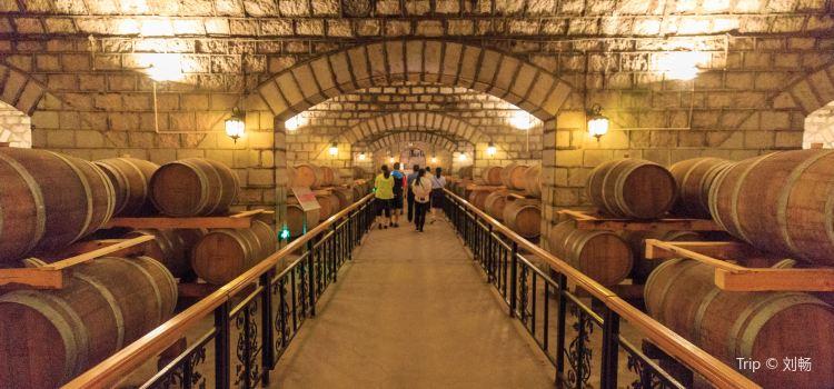 Huaxia Winery2