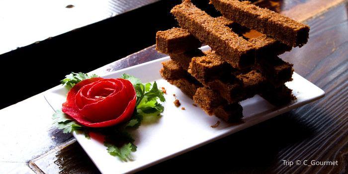 Hong Jing Tian Restaurant · Ye Sheng Jun Hot Pot