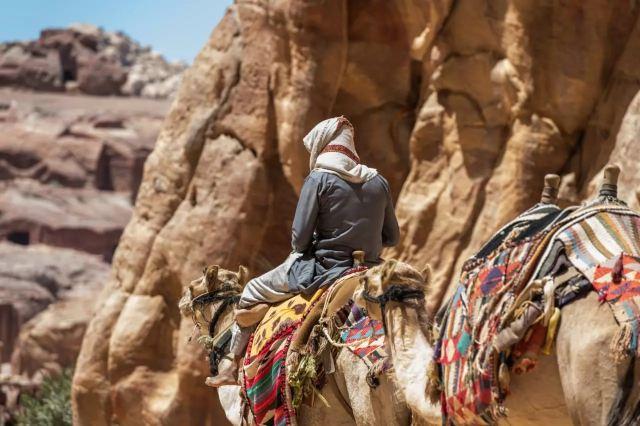目的地 | 約旦,黑鳶尾下的沙漠麗影