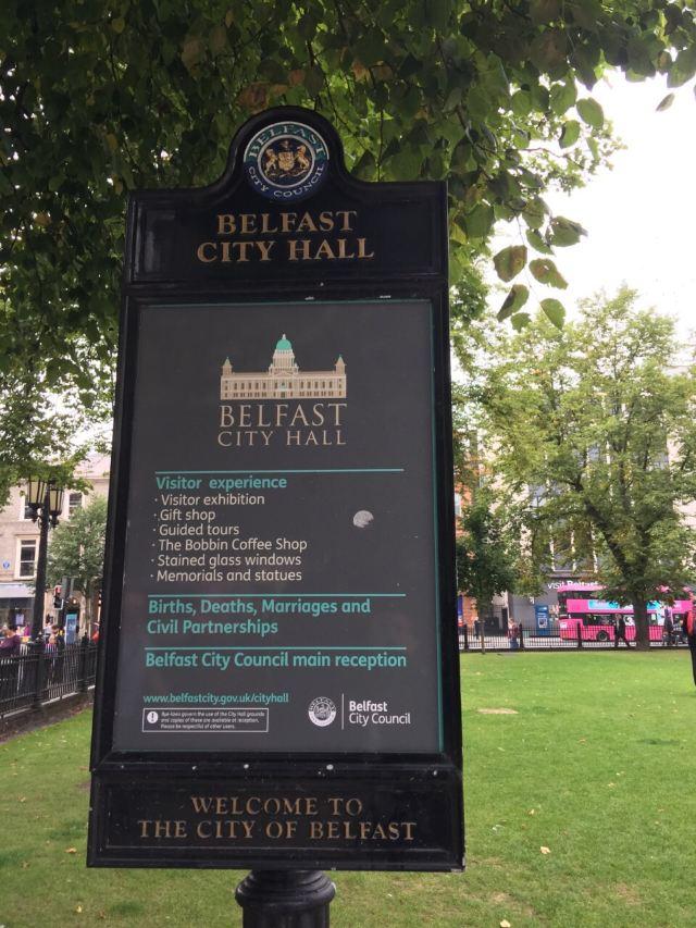 Belfast City Hall Attractions 雨丝风片 Belfast Travel