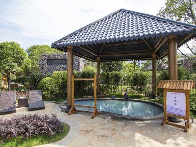巨龍溫泉旅遊度假村