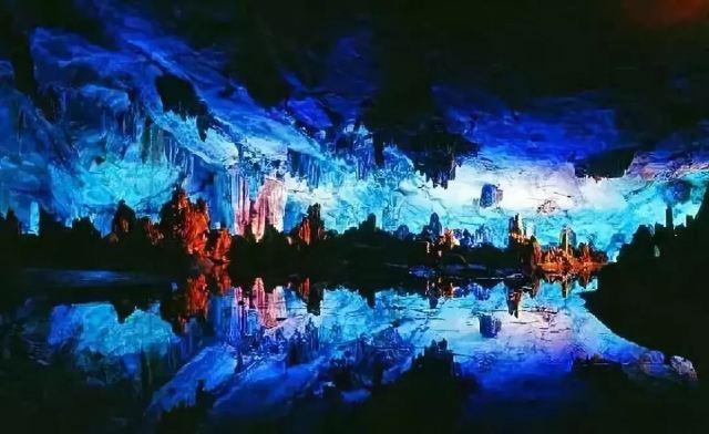 這裡的溶洞赫赫有名,而絕美的田園風光卻少有人知
