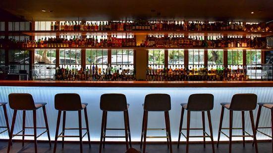 靜酩酒館 · 威士忌燒鳥