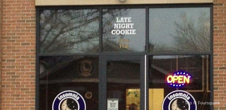 Insomnia Cookies3