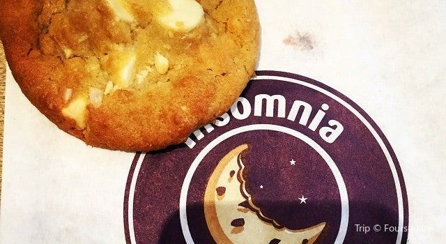 Insomnia Cookies1