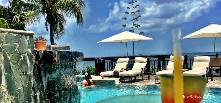 Smugglers Cove Resort & Spa2