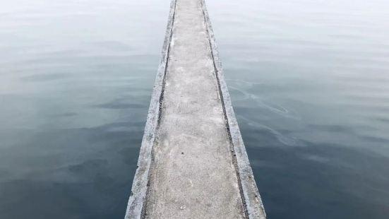 東湖游泳池