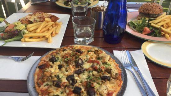 Beachcomber Cafe at St Kilda Sea Baths