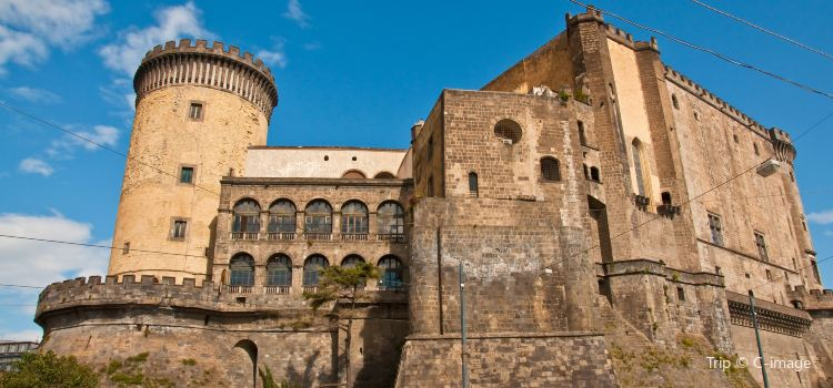 Castel Nuovo2