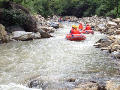 中壩河谷漂流