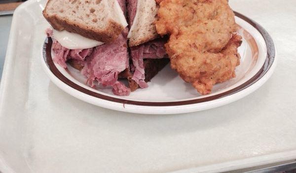 Mannys Cafeteria and Delicatessen3