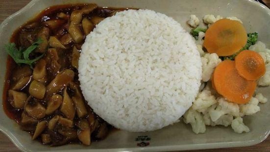 李先生加州牛肉麵大王(包頭火車站店)