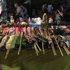 Riverside Night Market User Photo
