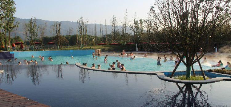 Longshui Lake Tourist Resort3