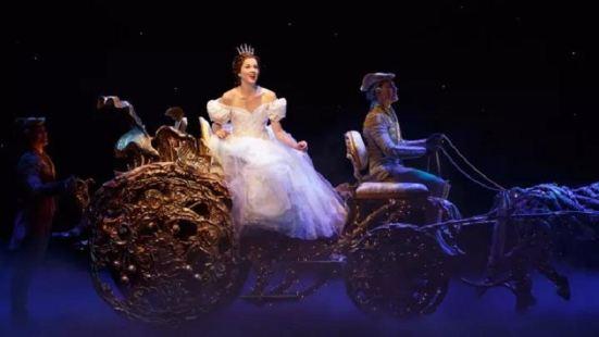 百老匯音樂劇《灰姑娘》中文版