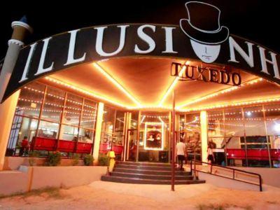 Tuxedo Illusion Hall