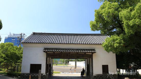 舊黑田藩藏屋敷長屋門