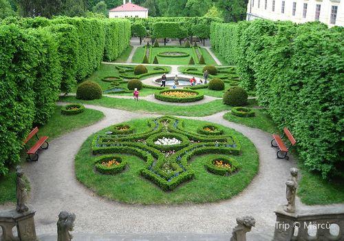 Gardens and Castle at Kromeriz1