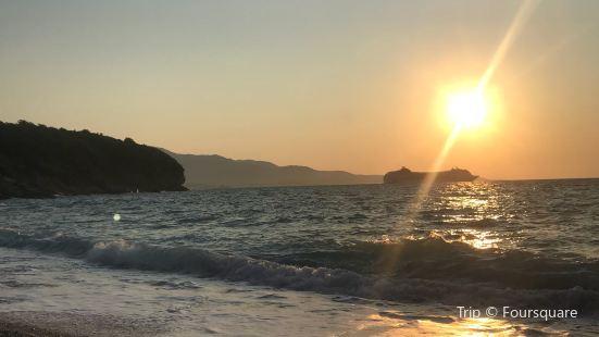 Pulebardha Beach