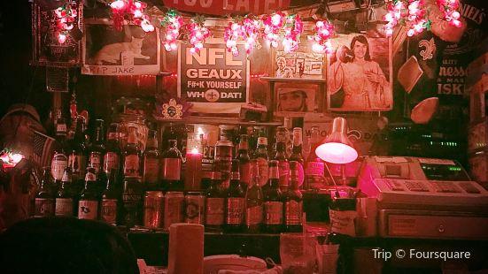 Snake and Jake's Christmas Club Lounge