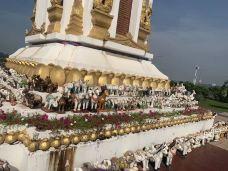 湄公河边公园-万象-健身教练阿毛里