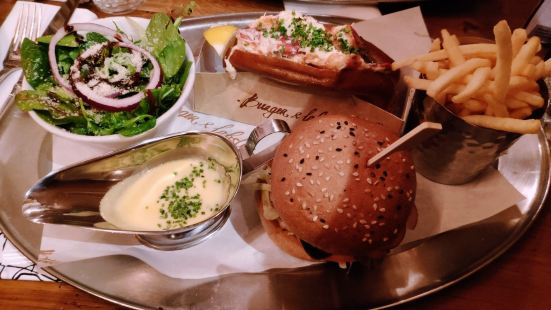 Burger and Lobster at Harvey Nichols