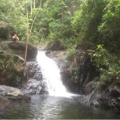 Khlong Phlu Waterfall User Photo
