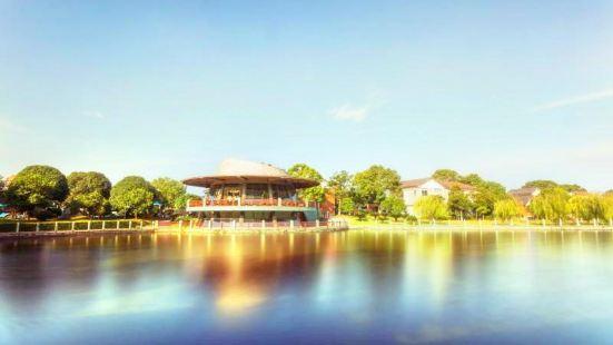 Qianlong Lake Eco-tourism Resort
