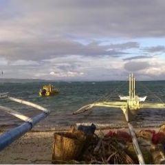 Lugutan Beach User Photo