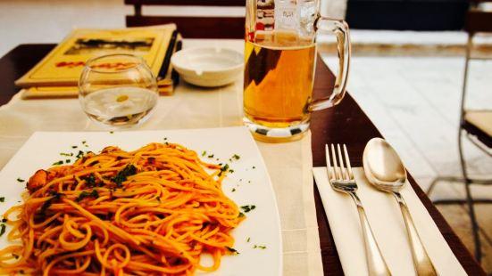 Pizzeria & Spaghetteria Storia