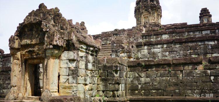 Roluos Temples1