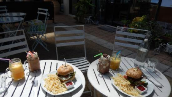 Yi's Cafe